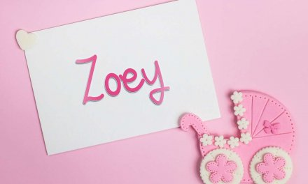 Zoey: Girls Baby Name Meaning